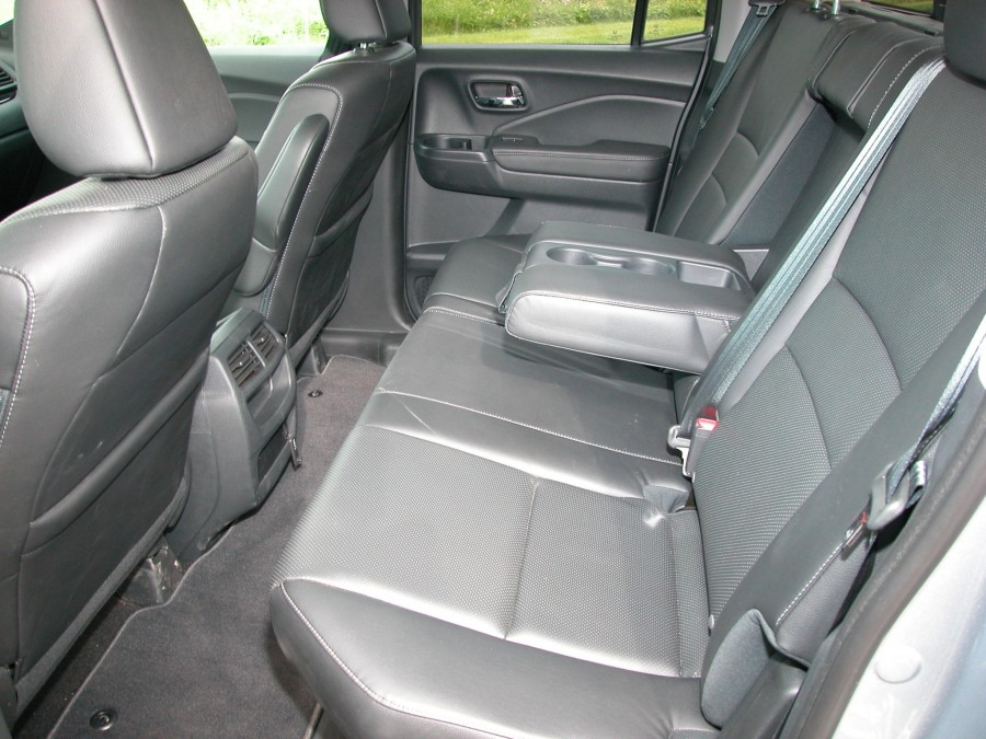 ridgeline17-back-seats