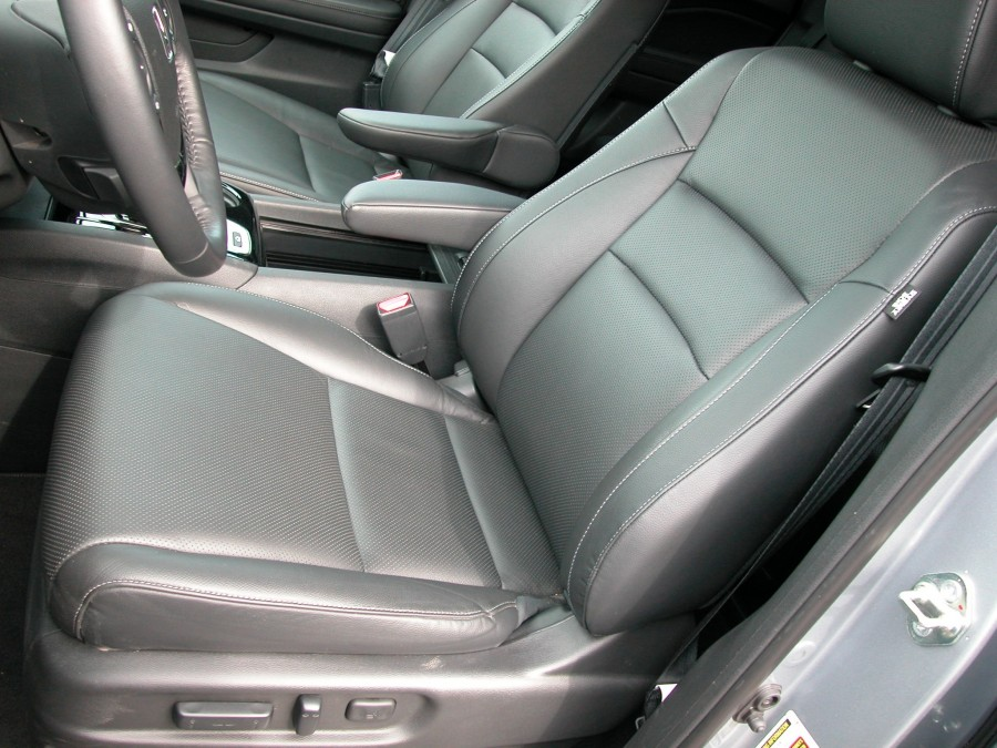 ridgeline17-f-seats