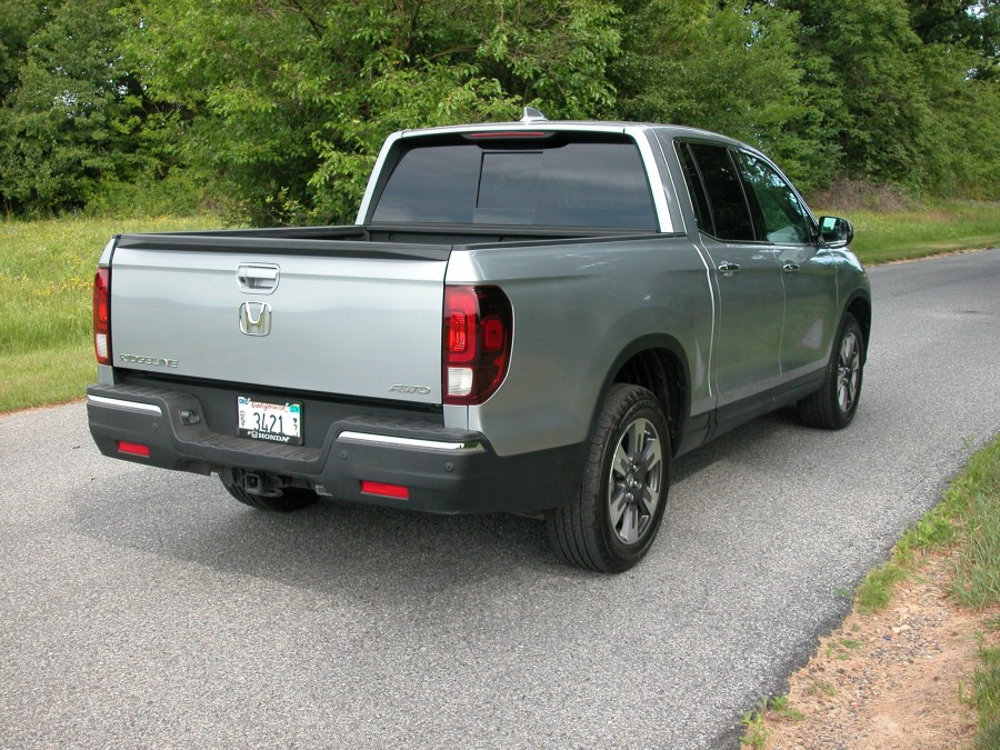 ridgeline17-rear