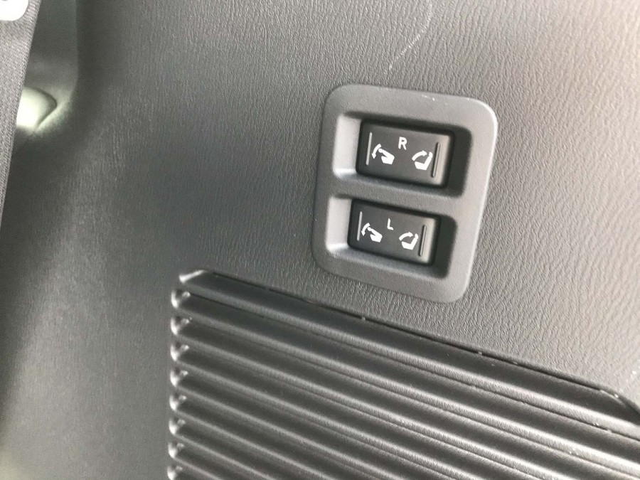 Armada19-seat switches