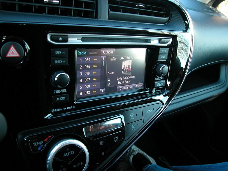 PriusC-18-LCD