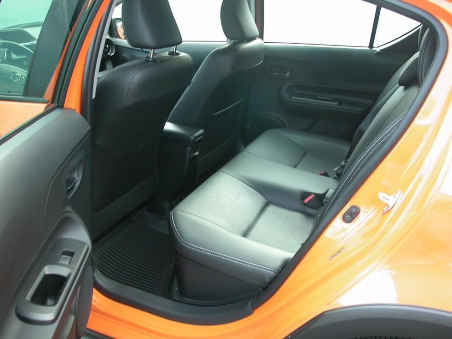 PriusC-18-R.Seat
