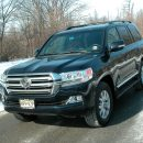 Toyota's Land Cruiser is a sure-footed, brawny, 3-row SUV