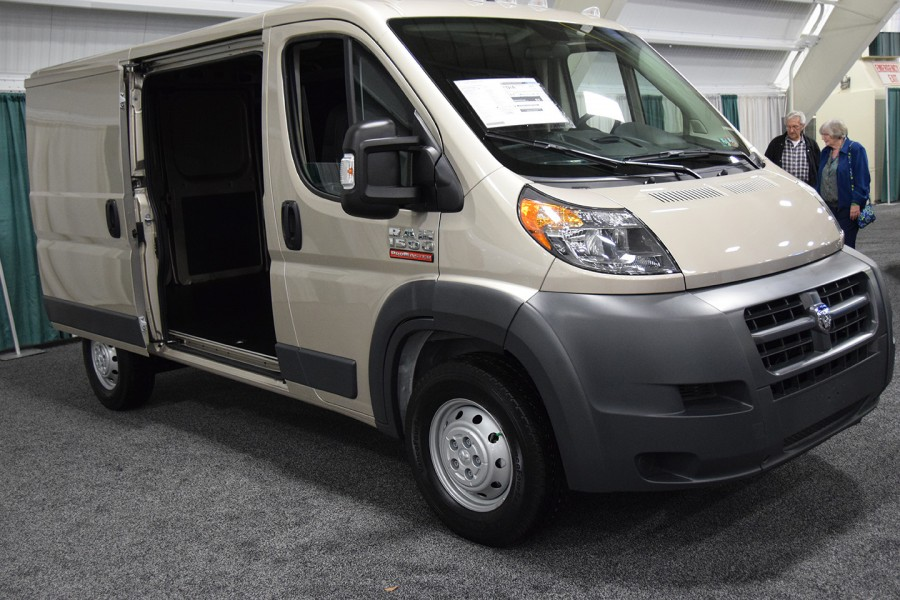 GLVADA18-vans