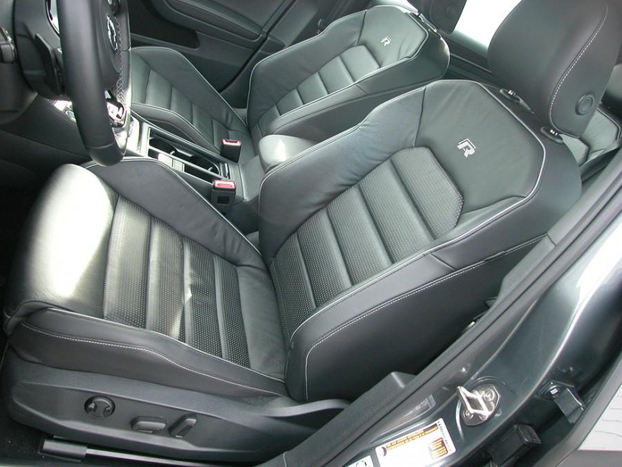 GolfR18-F.Seats