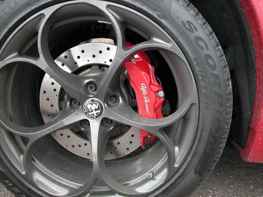 Stelvio19-brakes