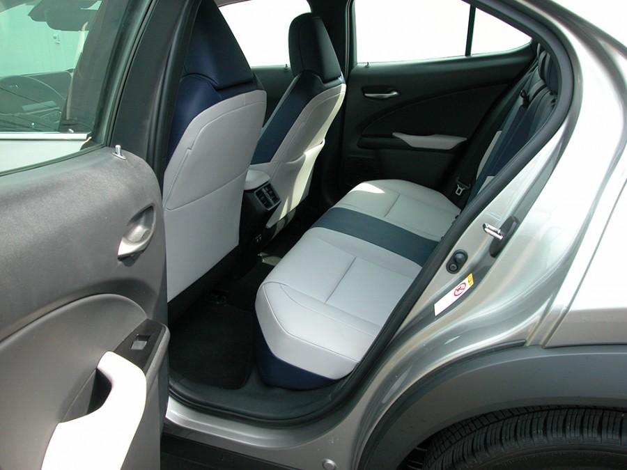 UX200-19-R.Seat