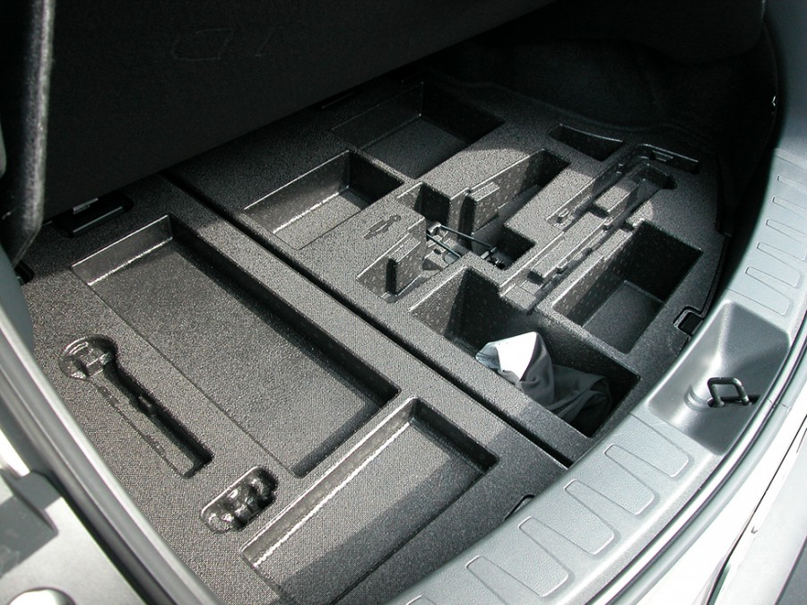 UX200-19-Underfloor