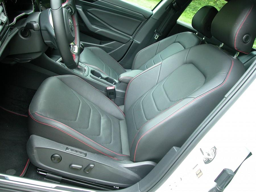 GLI19-F.Seats