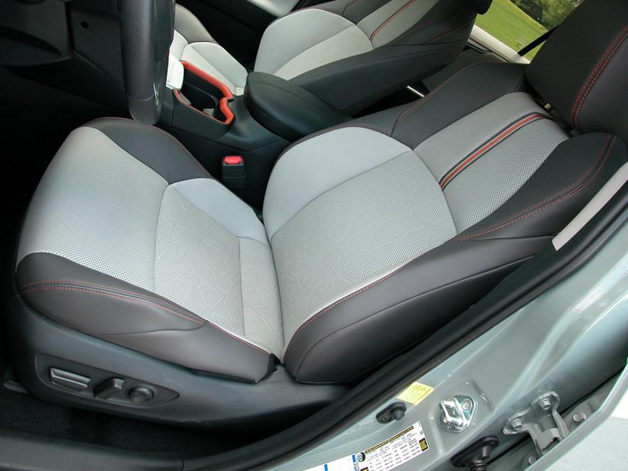 RAV4-19-F.seats