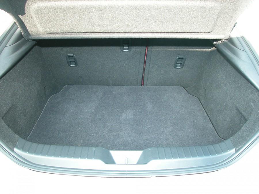 Mazda3-19-Trunk