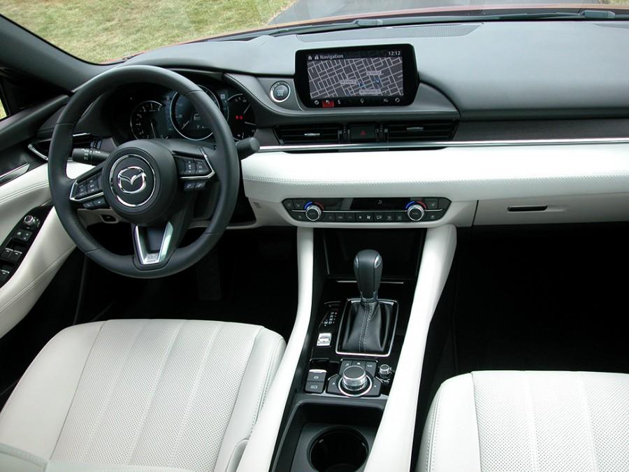 Mazda6-19-Int
