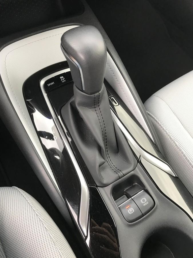Corolla19-Shifter2