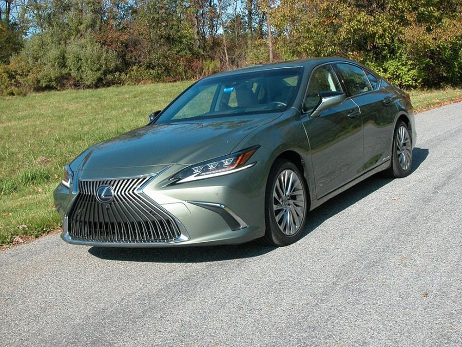 Looking for a hybrid luxury sedan? Check out the Lexus ES300h, it's a compelling choice