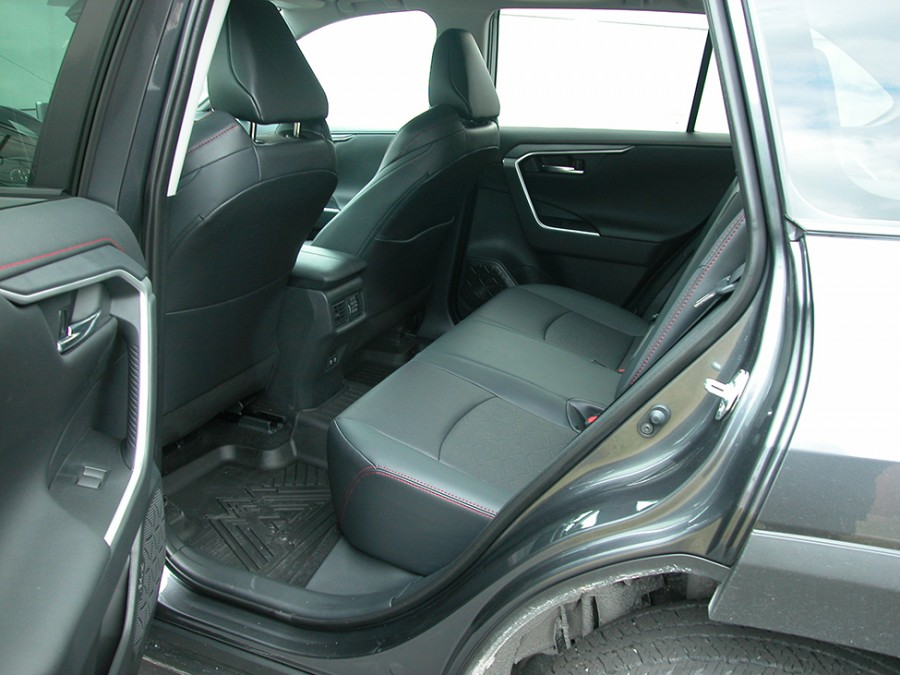 Rav4OR-20-Rseats