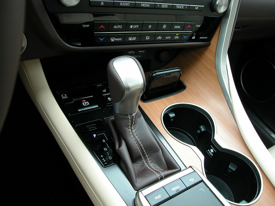 RX450h-20-Shifter