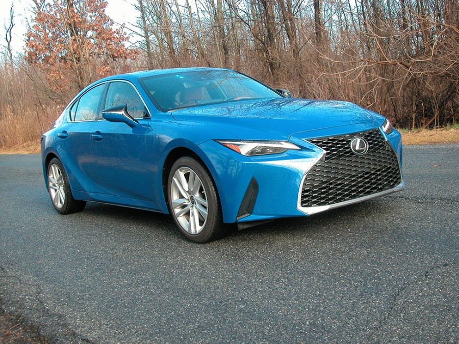 Lexus' IS 300 compact luxury sport sedan becomes a Snowbelt daily driver with its AWD