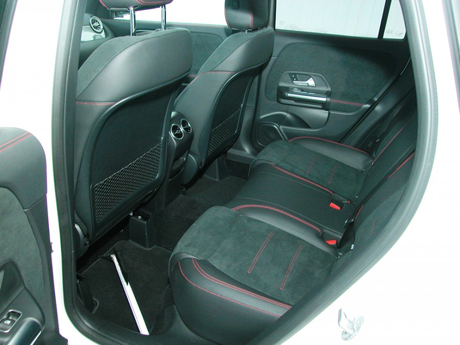 GLA250-21-Rseats2