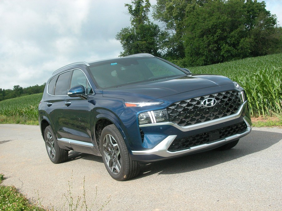 Hyundai's 2021 Santa Fe is a top-tier, midsize 4WD SUV with outstanding features and warranties
